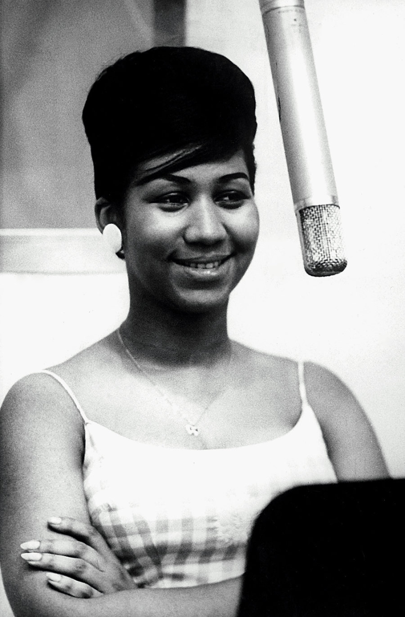 Aretha-Franklin-1961-studio-billboard-1000
